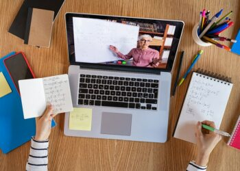Online Tutoring and Its Significance in Modern Society